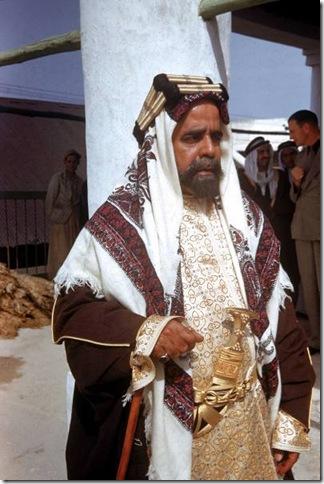 سلمان بن حمد 1945l