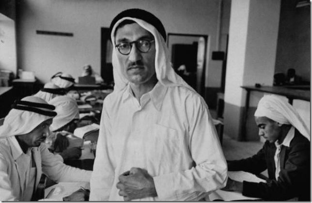 سيد محمد كبير موظفي المحاسبة في أحد مكاتب المحاسبة