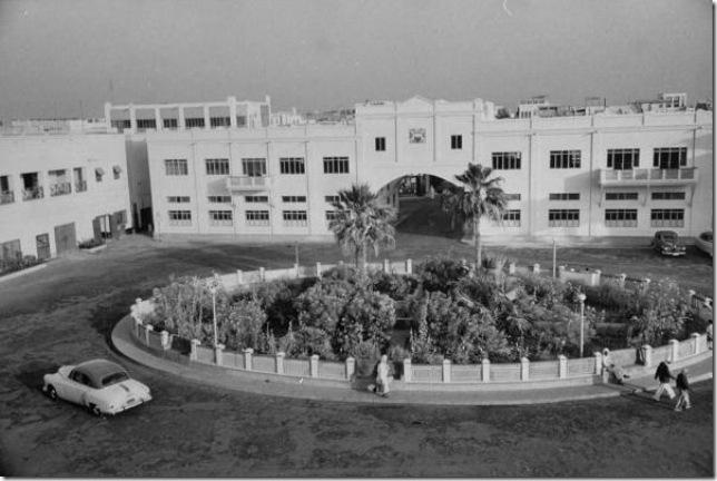 ساحة الحكومة (باب البحرين حالياً)