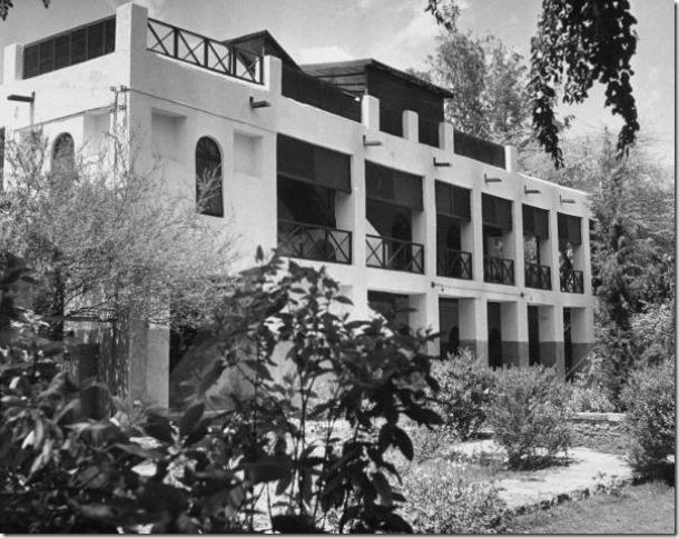 مكتب بلغريف في المستشارية ( ادارة الزراعة حالياً)