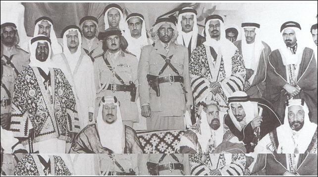 -الملك سعود مع الشيخ سلمان بن  حمد بن عيسى آل خليفة 1954م